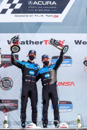 Podio: ganadores #10 Wayne Taylor Racing Acura ARX-05 Acura DPi: Ricky Taylor, Filipe Albuquerque