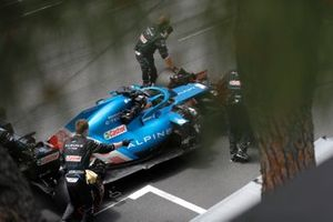 Fernando Alonso, Alpine A521, arrives on the grid
