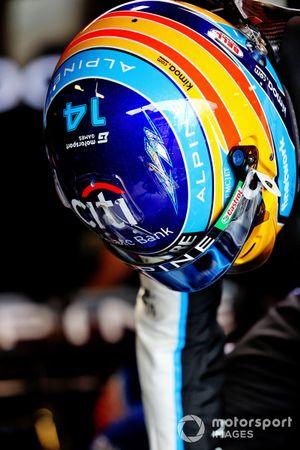 Le casque de Fernando Alonso, Alpine A521, avec le logo Motorsport Games au Grand Prix de Monaco