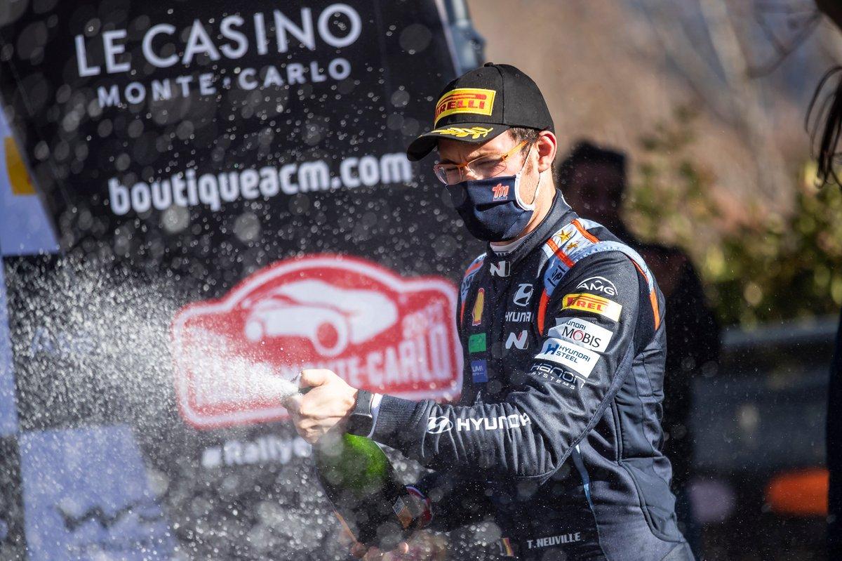 Thierry Neuville, Hyundai Motorsport sur le podium