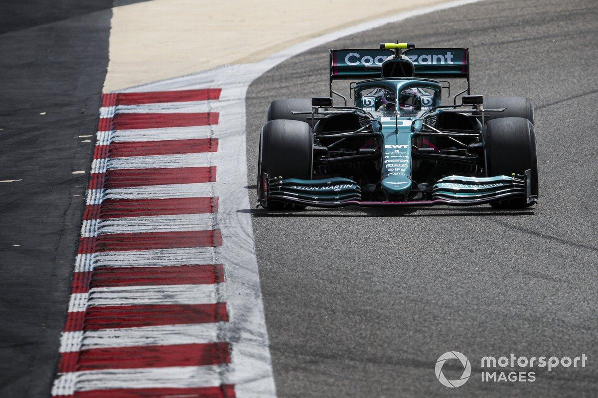 20º Sebastian Vettel, Aston Martin AMR21, 1:33.742 (con neumáticos PROTO)