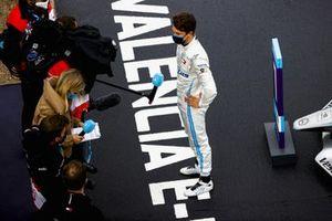 Race Winner Nyck de Vries, Mercedes-Benz EQ, EQ Silver Arrow 02 talks with TV Presenter Nicki Shields