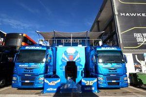 Suzuki trucks at the paddock