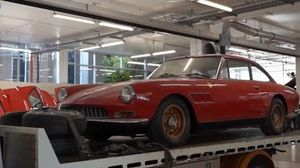 Une Ferrari unique à l'abandon