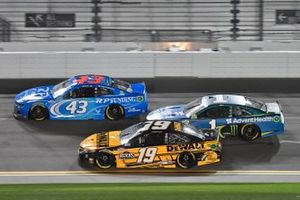Martin Truex Jr., Joe Gibbs Racing, Toyota Camry DeWalt Kurt Busch, Chip Ganassi Racing, Chevrolet Camaro AdventHealth Erik Jones, Richard Petty Motorsports, Chevrolet Camaro RP Funding