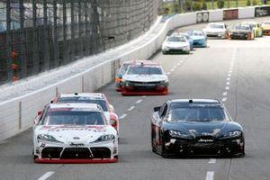Harrison Burton, Joe Gibbs Racing, Toyota Supra DEX Imaging et Ty Gibbs, Joe Gibbs Racing, Toyota Supra AutoByNelson.com