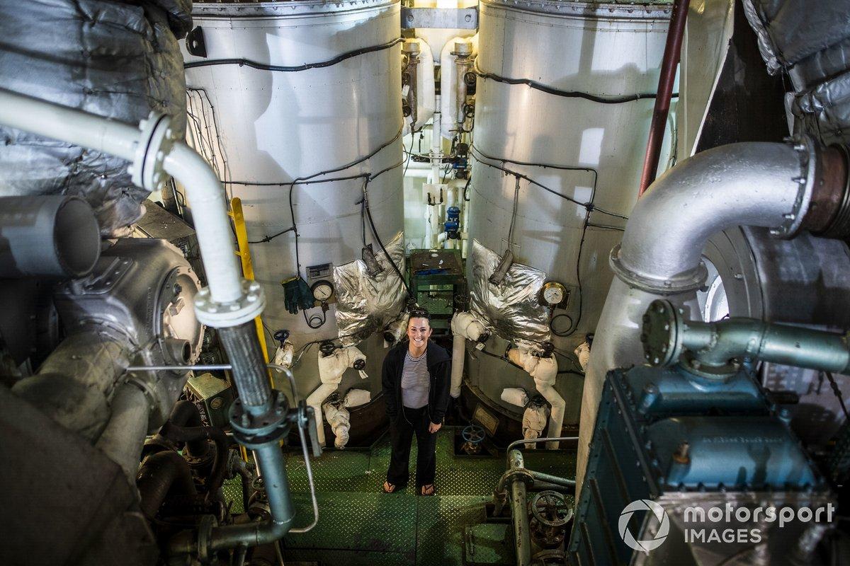 Sara Price, Segi TV Chip Ganassi Racing, en el buque St Helena