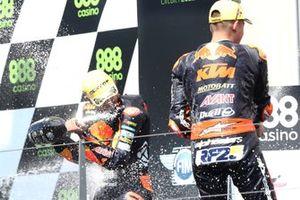 Podio: Raul Fernandez, Red Bull KTM Ajo, Remy Gardner, Red Bull KTM Ajo