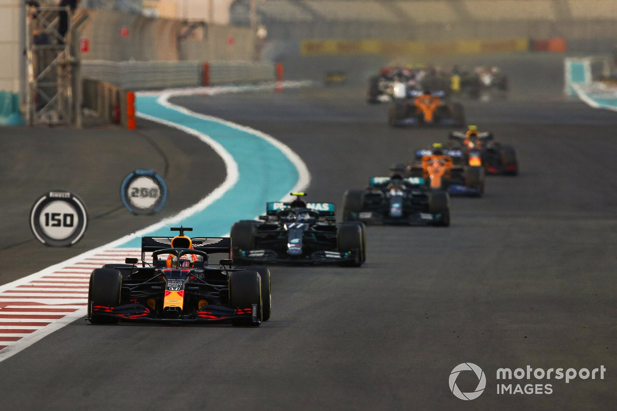 Max Verstappen, Red Bull Racing RB16, Valtteri Bottas, Mercedes F1 W11, Lewis Hamilton, Mercedes F1 W11, Lando Norris, McLaren MCL35