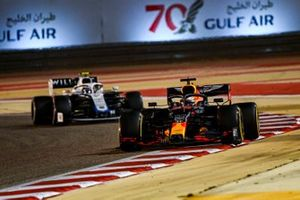 Max Verstappen, Red Bull Racing RB16, Nicholas Latifi, Williams FW43