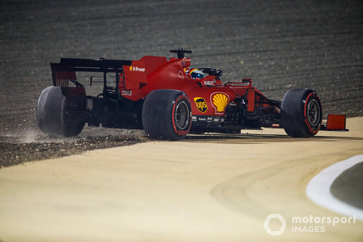 Sebastian Vettel, Ferrari SF1000 se va a la grava
