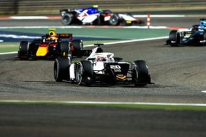 Gianluca Petecof, Campos Racing, leads Jehan Daruvala, Carlin