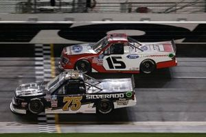 Tanner Gray, Team DGR, Ford F-150 Ford Performance, Sam Mayer, Henderson Motorsports, Chevrolet Silverado