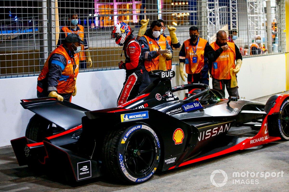 Sebastien Buemi, Nissan e.Dams, Nissan IMO2 se retira de la carrera