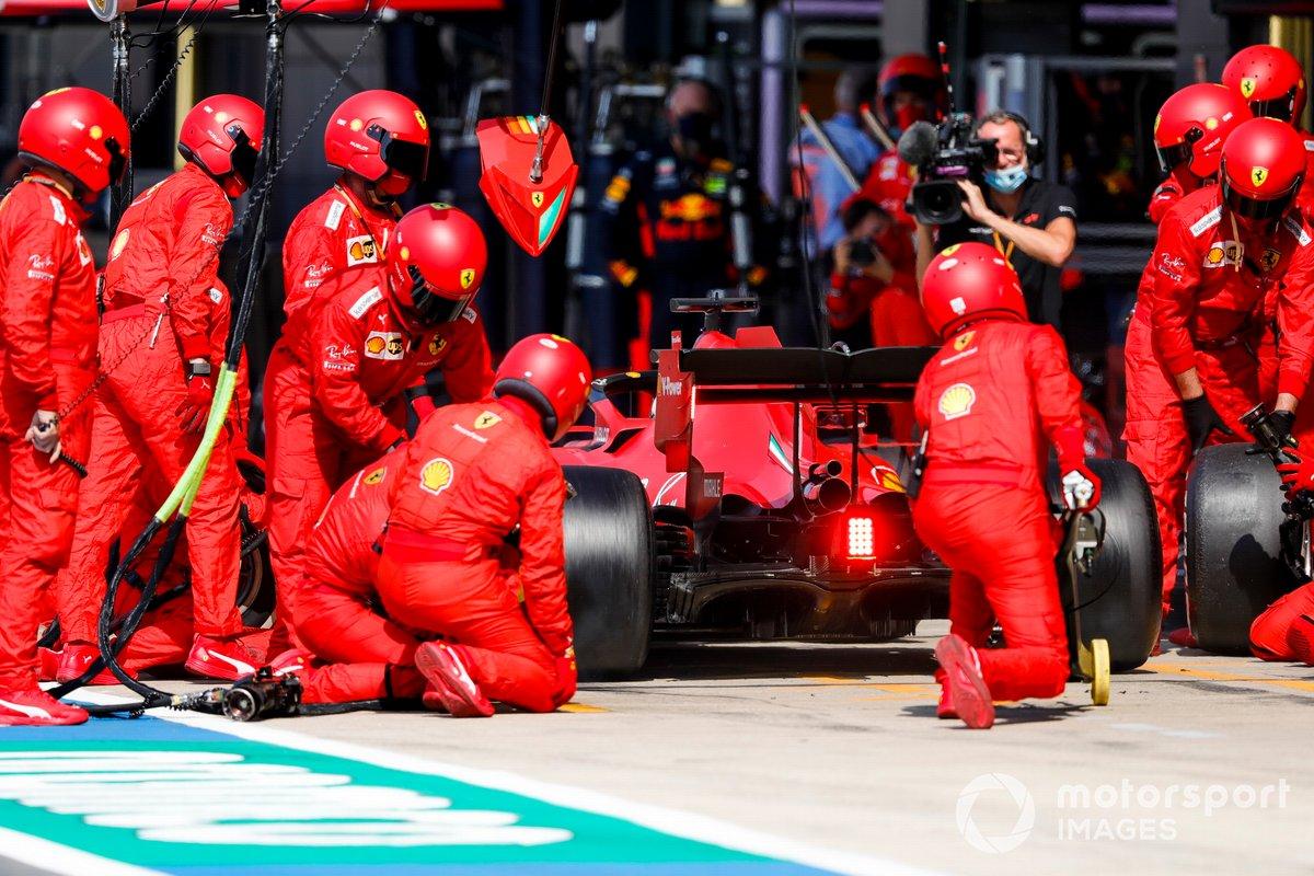 Sebastian Vettel, Ferrari SF1000, pit stop