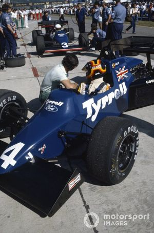 Stefan Bellof, Tyrrell 012 Ford, con Martin Brundle