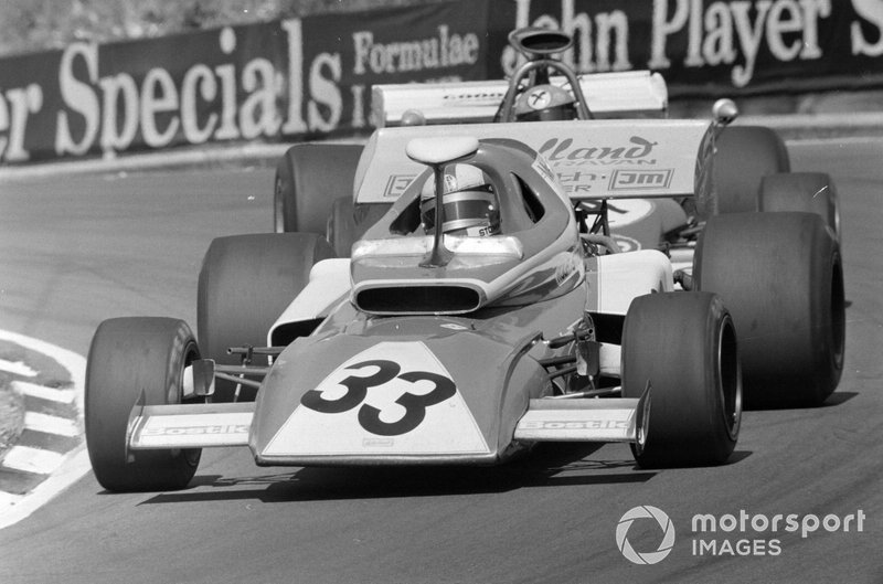 Rolf Stommelen, March 721 Ford leads Niki Lauda, March 721G Ford