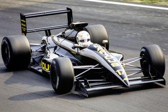 Gabriele Tarquini, AGS JH25 Ford, al GP d'Italia del 1990