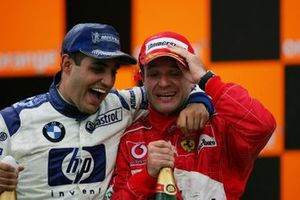 Podio: Juan Pablo Montoya, Williams y Rubens Barrichello, Ferrari