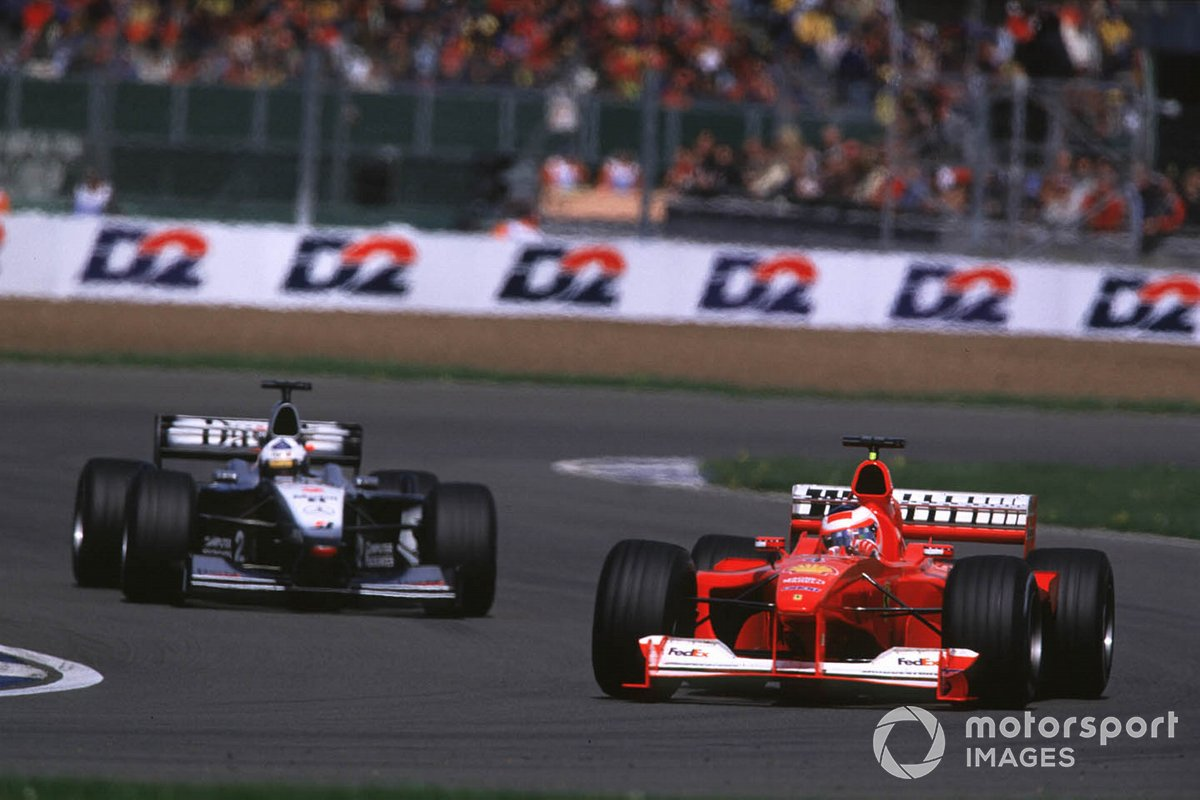 Rubens Barrichello, Ferrari F1-2000, David Coulthard, McLaren MP4/15 Mercedes