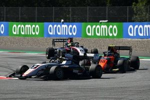 Theo Pourchaire, ART Grand Prix, leads Bent Viscaal, MP Motorsport, and Max Fewtrell, Hitech Grand Prix