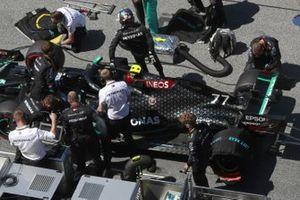 Валттери Боттас, Mercedes F1 W11 EQ Performance, на стартовой решетке