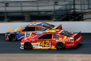 Chris Buescher, Roush Fenway Racing, Ford Mustang SunnyD, Matt Kenseth, Chip Ganassi Racing, Chevrolet Camaro McDelivery