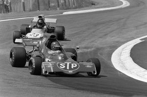 Ronnie Peterson, March 721X Ford devant Mike Beuttler, March 721G Ford