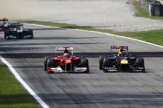 Sebastian Vettel, Red Bull Racing RB7, Fernando Alonso, Ferrari 150
