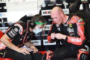 Bradley Smith, Aprilia Racing Team Gresini, mit Pietro Caprara