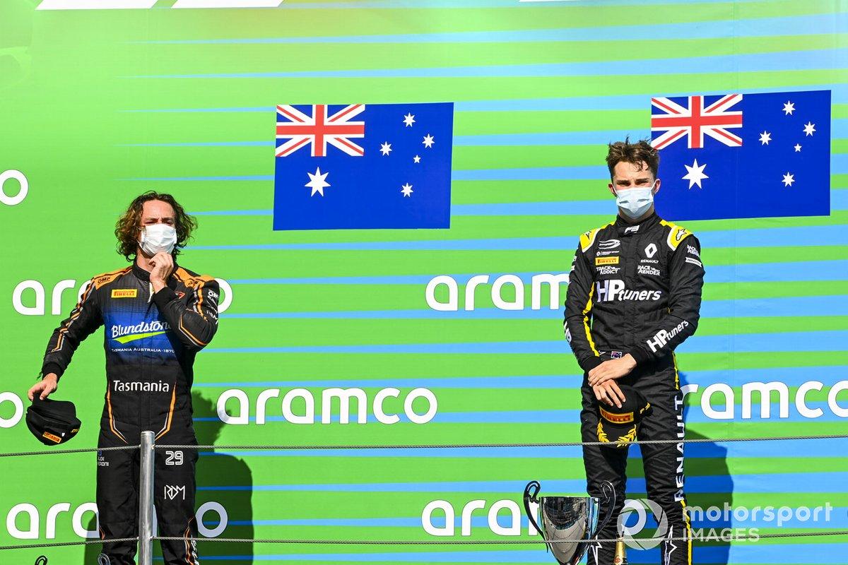Podio: segundo lugar Alexander Peroni, Campos Racing, ganador Oscar Piastri, Prema Racing