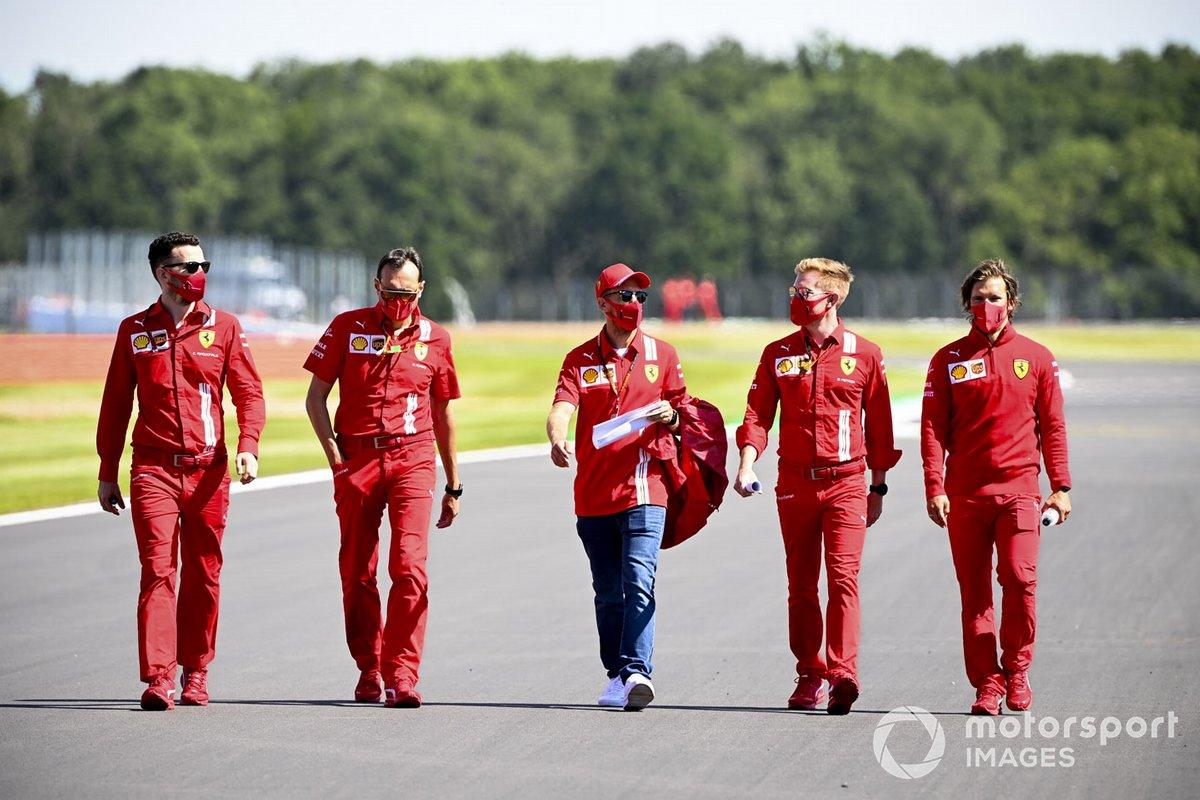 Sebastian Vettel, Ferrari con sus ingenieros