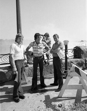 Derek Bell, Tim Schenken, Ron Tauranac with Ronnie Peterson at the Niagara Falls