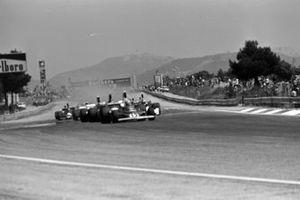 Start zum GP Frankreich 1975 in Le Castellet: Niki Lauda, Ferrari 312T, führt