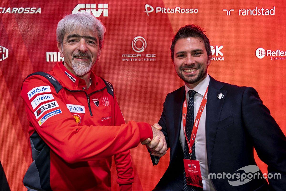 Gigi Dall'Igna si congratula con Flavio Ferroni di Megadrive