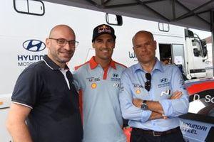 Matteo Ballarin, presidente de WithU, Dani Sordo, Andrea Adamo Director Hyundai Motorsport