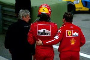 Herbie Blash, avec le vainqueur Michael Schumacher, Ferrari et Jean Todt, directeur Ferrari