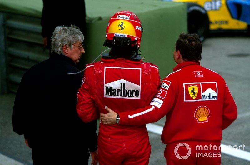 Herbie Blash, con el ganador Michael Schumacher, Ferrari y Jean Todt, director Ferrari