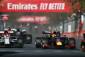 Pierre Gasly, Red Bull Racing RB15, leads Antonio Giovinazzi, Alfa Romeo Racing C38