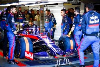 Daniil Kvyat, Toro Rosso STR14, au garage