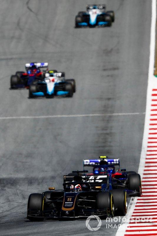 Romain Grosjean, Haas F1 Team VF-19, precede Alexander Albon, Toro Rosso STR14, Robert Kubica, Williams FW42, e Daniil Kvyat, Toro Rosso STR14