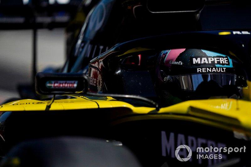 4 csapat: HRT, Toro Rosso, Red Bull, Renault