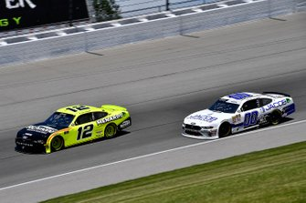 Paul Menard, Team Penske, Ford Mustang Menards/Richmond and Cole Custer, Stewart-Haas Racing, Ford Mustang Jacob Companies