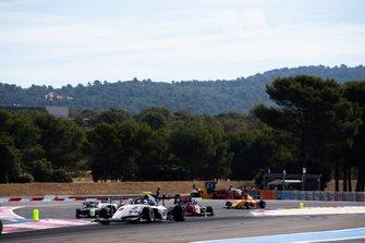 Фабио Шерер, Sauber Junior Team by Charouz, и Рихард Версхор, MP Motorsport
