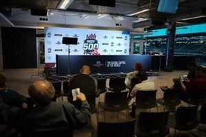 Ed Jones, Ed Carpenter Racing Scuderia Corsa Chevrolet, lors d'une conférence de presse