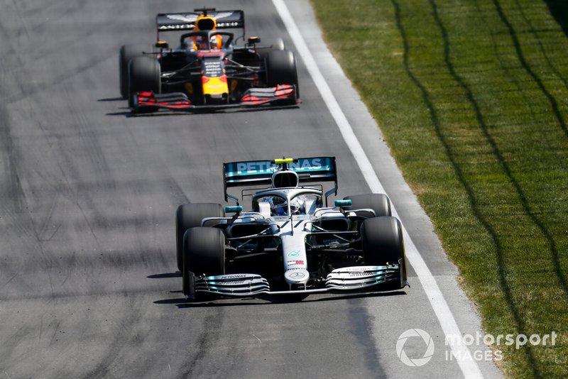 Valtteri Bottas, Mercedes AMG W10, Max Verstappen, Red Bull Racing RB15