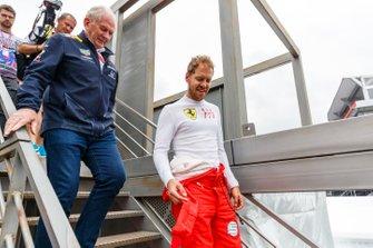 Sebastian Vettel, Ferrari, with Helmut Markko, Consultant, Red Bull Racing