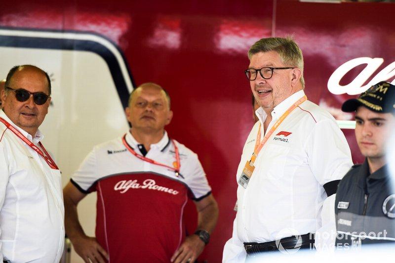Спортивний директор Ф1 Росс Брон у боксах Alfa Romeo
