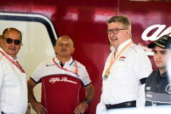 Ross Brawn, directeur de la compétition du Formula One Group dans le garage Alfa Romeo
