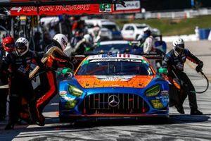 #74 Riley Motorsports Mercedes-AMG GT3, GTD: Lawson Aschenbach, Gar Robinson, Ben Keating, pit stop, crew